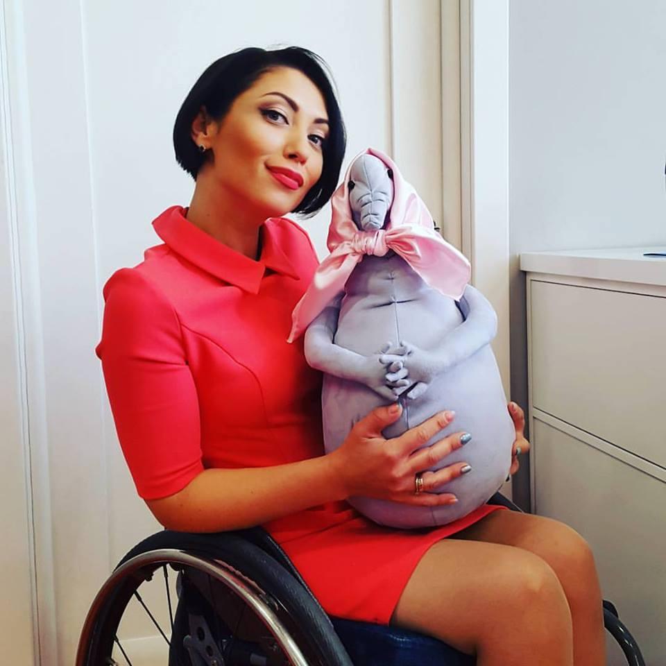 Украинская ведущая-инвалид призвала СБУ не жалеть Самойлову