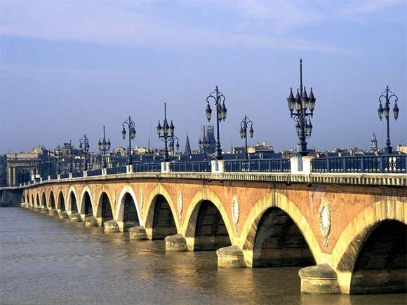 Бордо – город, уходящий в облака