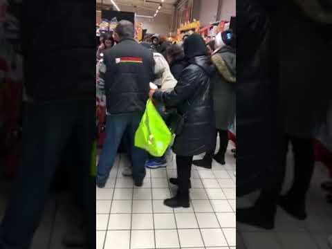 Некоторых жителей Франции пробило на сладкое