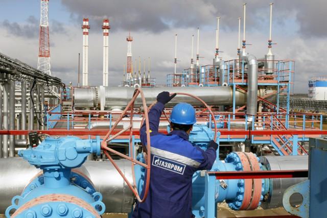 """""""Газпром"""" намерен в 2017 году привлечь $5 млрд"""