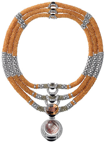Cartier Колье L`Odyssée de Cartier, белое золото, бриллианты, гранаты, обсидианы, кварц, турмалин