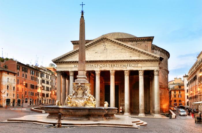 Римский Пантеон — архитектурный шедевр античности, одна из значимых достопримечательностей мира.   Фото: planetofhotels.com.