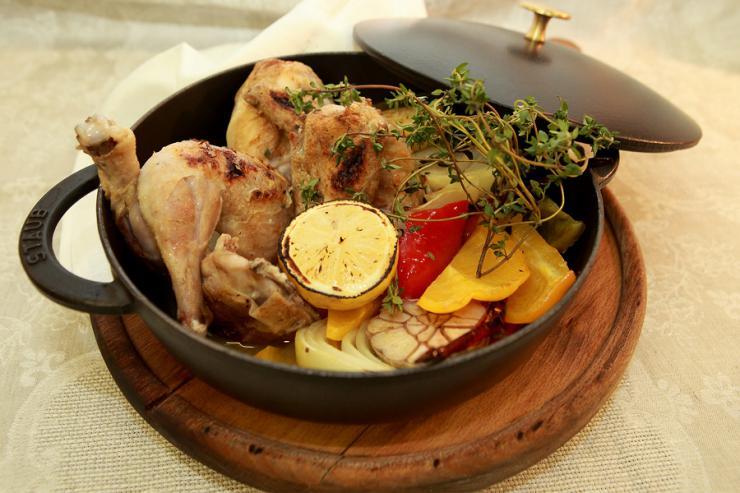 Цыпленок алла дьявола с печеным болгарским перцем