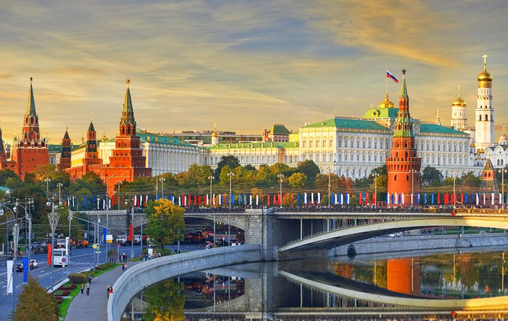 Американец в России: дороги, такси и разрушенная экономика