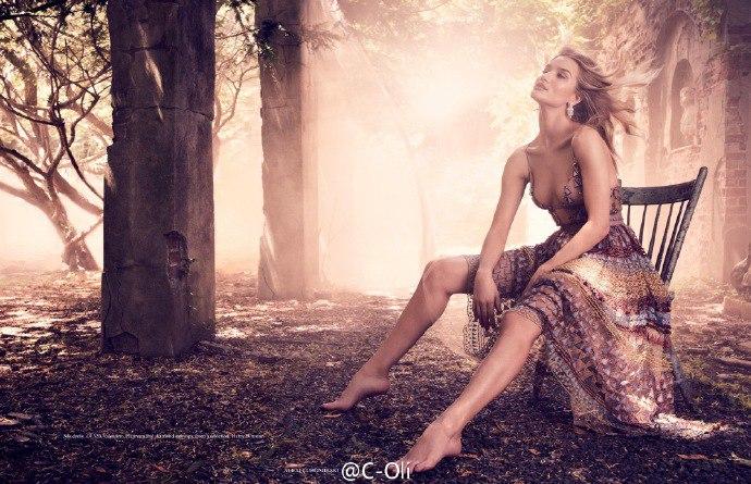 Рози Хантингтон-Уайтли  в фотосессии Алекси Любомирски  для журнала Vogue Germany