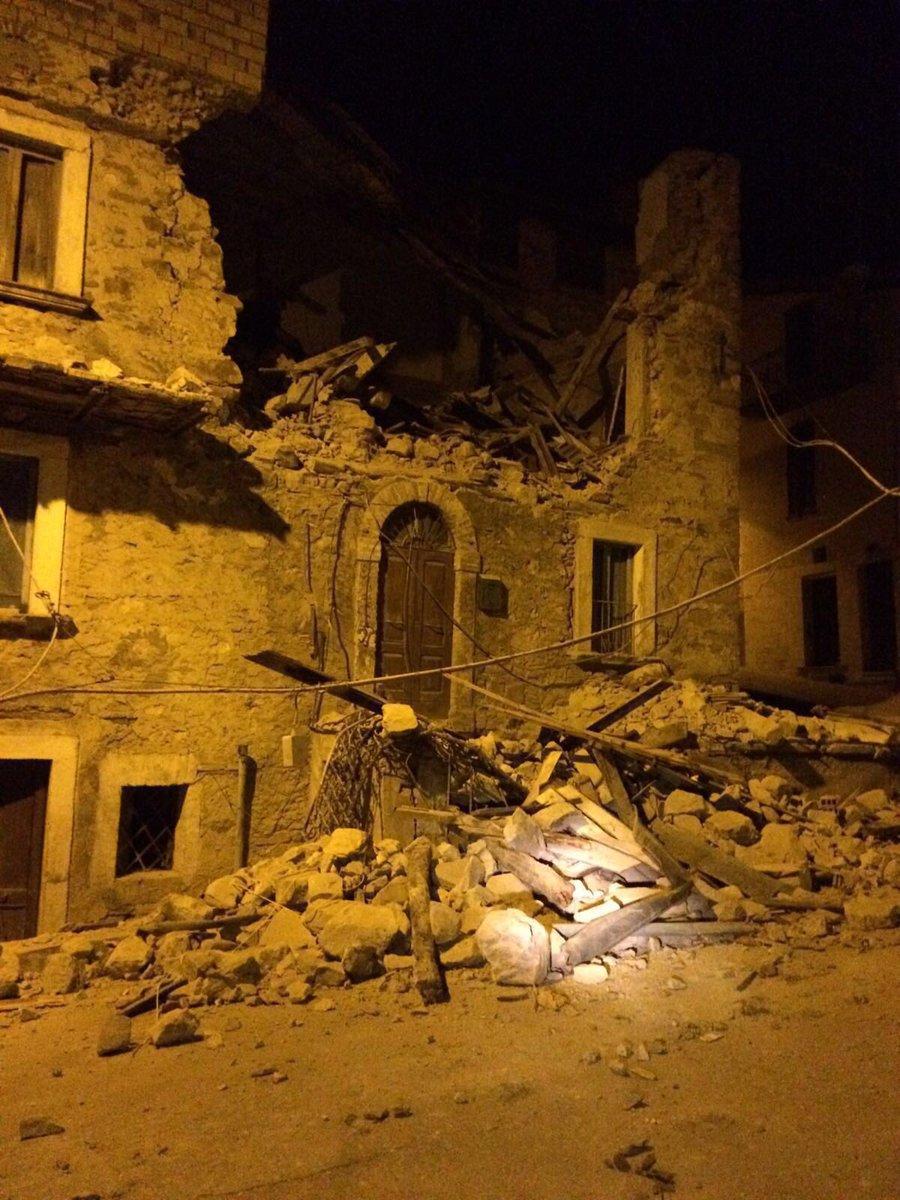Землетрясение в Италии - до тысячи погибших