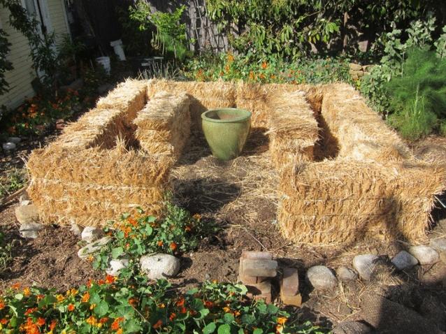 Соломенные грядки для вашего сада