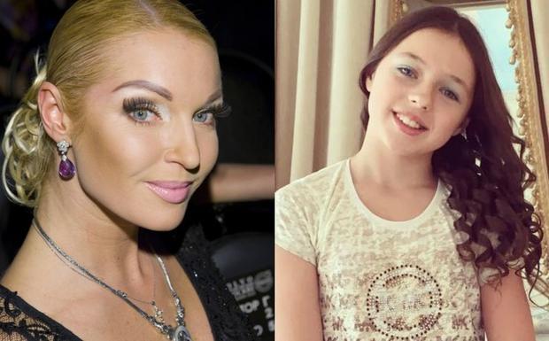 Прическа и платье Ариадны Волочковой на 1 сентября вызвали недоумение