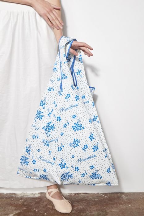 Тенденция весны — огромные сумки
