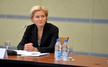 Ольга Голодец обратилась к Путину с просьбой повысить МРОТ