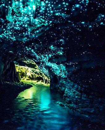 Все туристы мечтают побывать в этой пещере. Заглянув внутрь, ты сам поймешь почему!