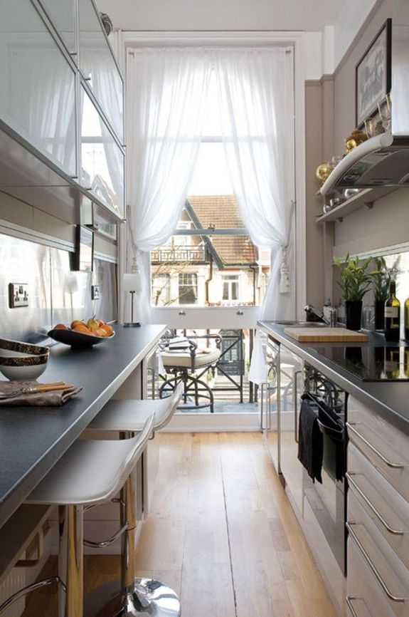12 идей, как заставить узкую кухню казаться больше