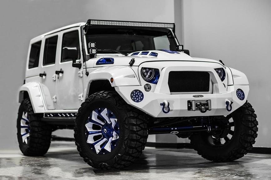 Реинкорнация имперского штурмовика в Jeep Wrangler Sport стоимостью 3,6 миллиона рублей