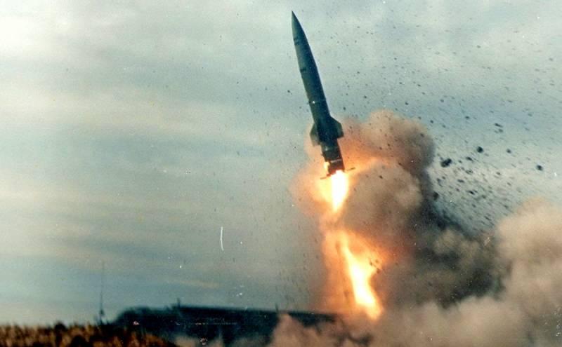 Удар в «Точку»: эффектные кадры стрельбы ракетного комплекса