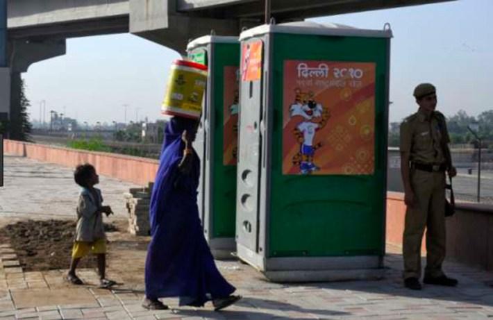 Фото туалетной бумаги из индийского общественного туалета шокировало пользователей соцсетей!