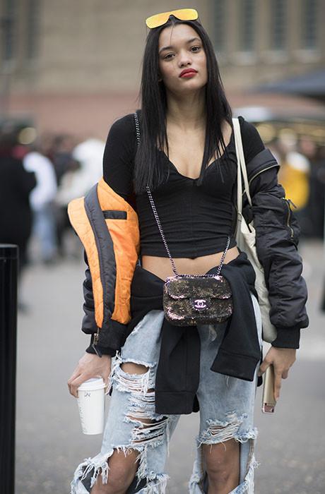 С плеч долой: новый способ носить верхнюю одежду