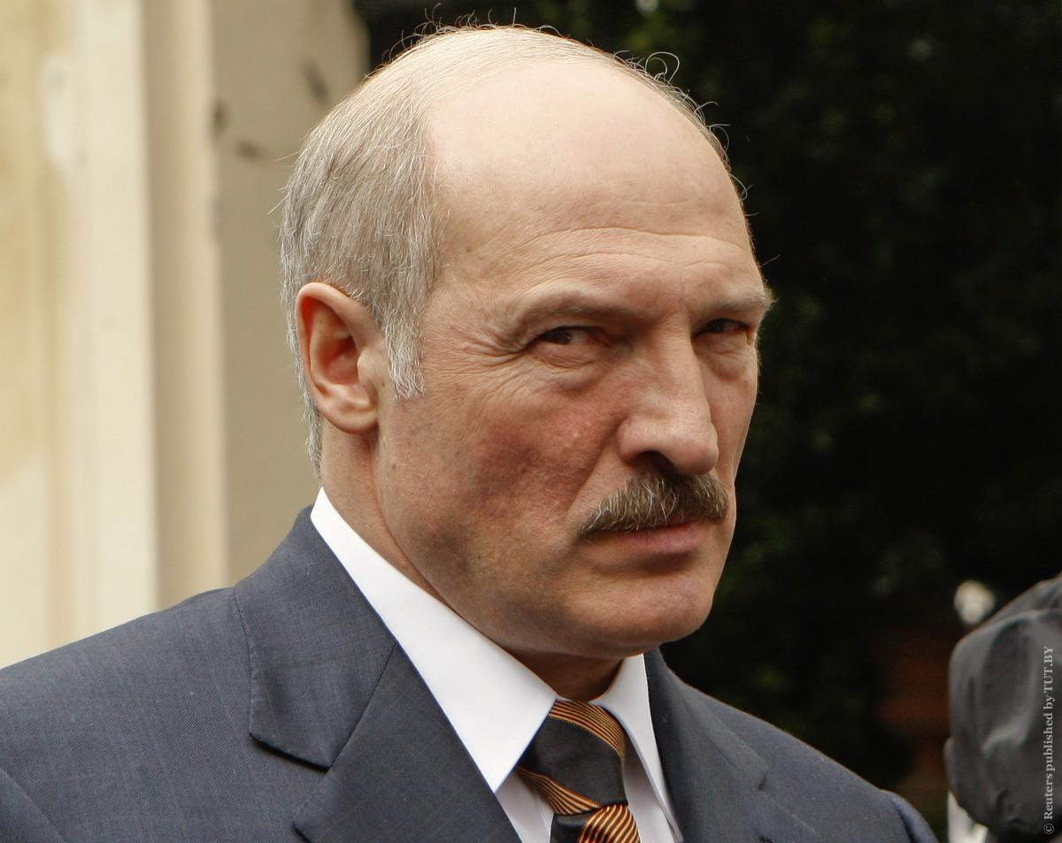 """Лукашенко посоветовал белорусам меньше """"жрать"""""""