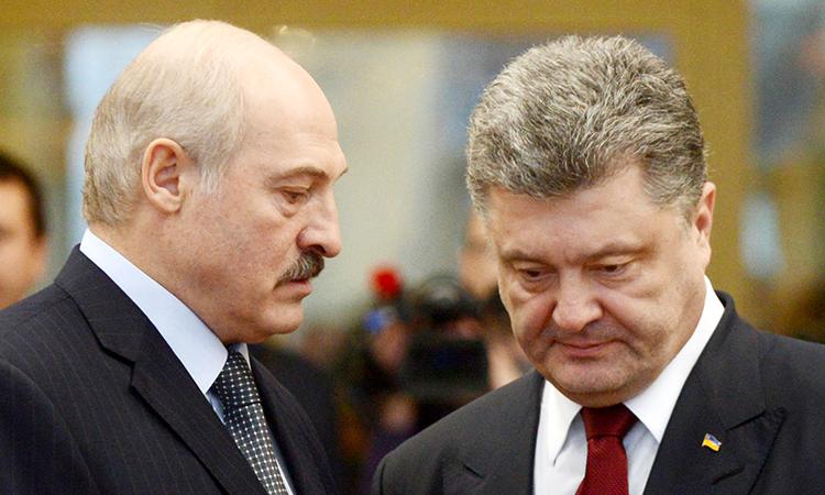 СМИ: Лукашенко и Порошенко спелись