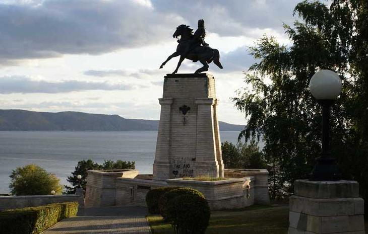 Памятник В.Н.Татищеву