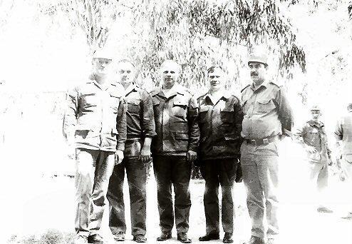 Начальник тыла 40-й армии полковник А.С. Сиваков (крайний слева). - Ограниченный быт ограниченного контингента | Военно-исторический портал Warspot.ru