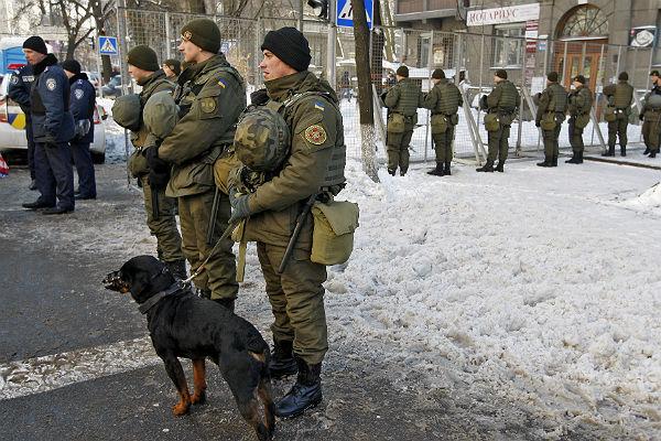 НАТО подарит Нацгвардии Украины спутниковые телефоны