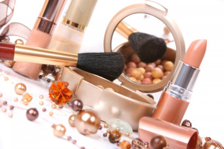 Всегда ли влияние косметики безопасно для кожи лица