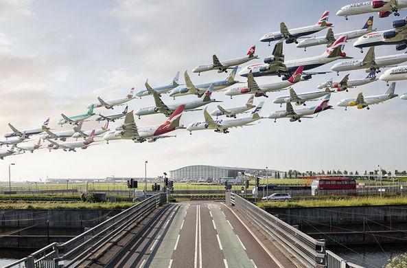 «Аэропортреты»: Фотограф собрал воедино сотни вылетов из аэропортов по всему миру