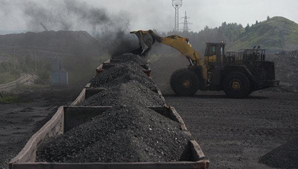 Первый пошел: грузовой состав из 57 вагонов преодолел блокаду Донбасса
