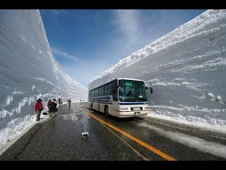 Как пробивают дорогу в снегу