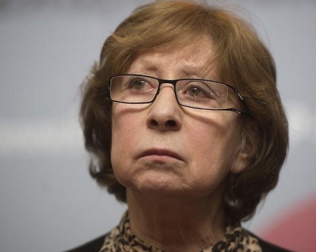 Нелепые извинения Ахеджаковой в адрес Немцова разгневали РФ