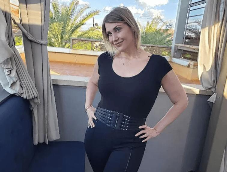 Тучная женщина, весом 177 кг…