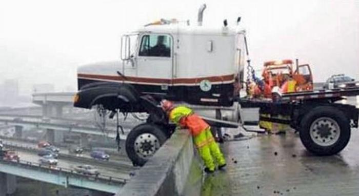 Крутые аварии больших автомобилей