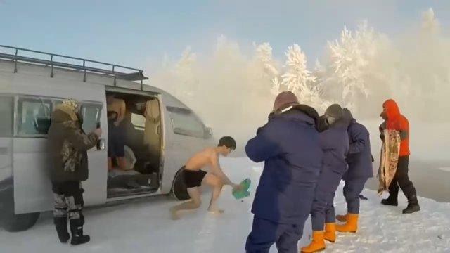 Японский турист в Якутии в -60°C
