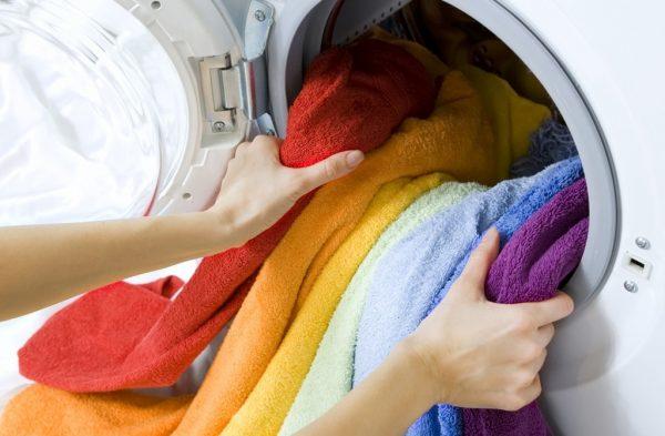 Наиболее распространённые ошибки при стирке, которые пагубно влияют на бельё и стиральную машинку