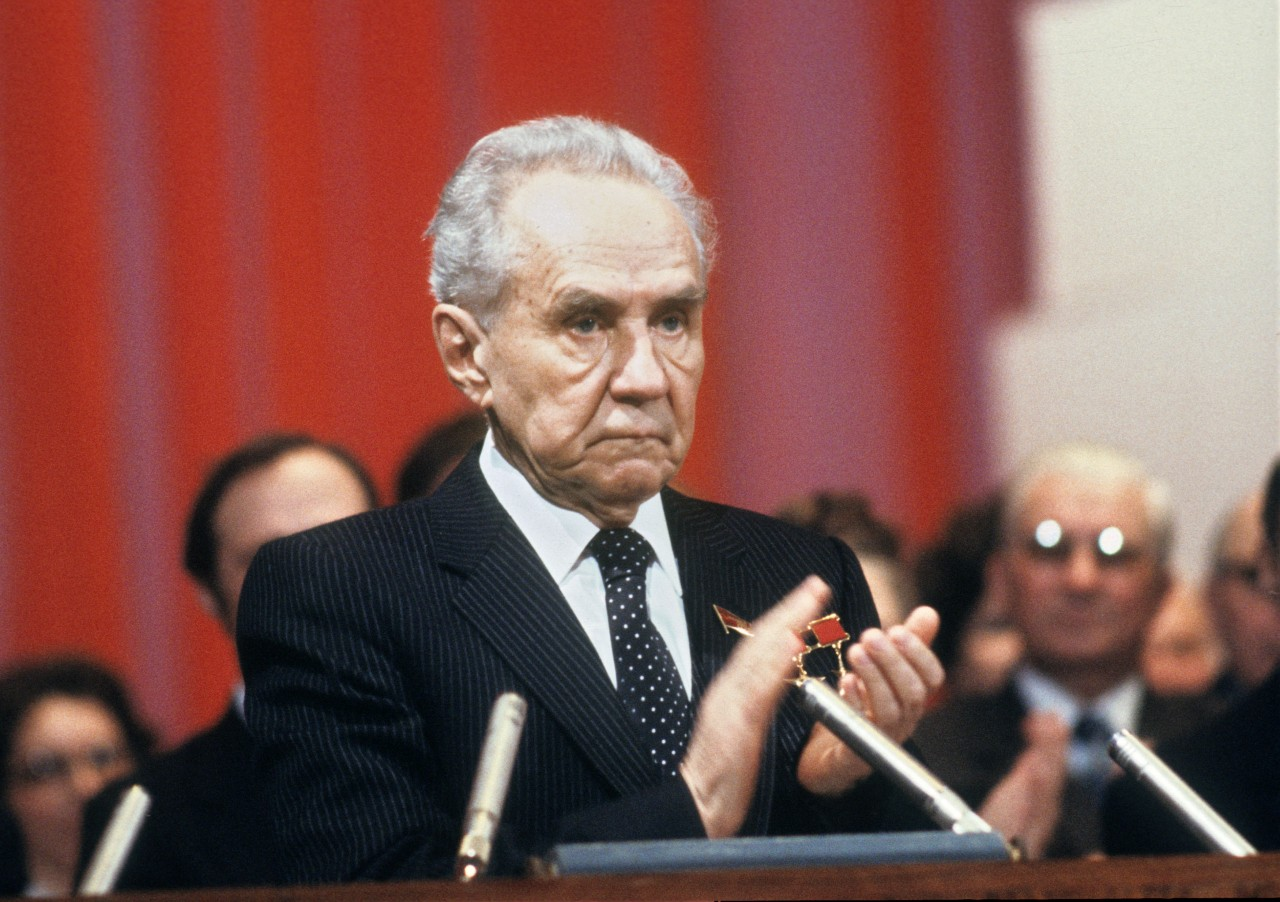 Неужто премьер-министр СССР Алексей Косыгин был сыном... последнего русского царя?