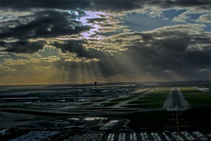 При заходе на посадку в аэропорт Хитроу, Лондон, рейсом из Варшавы.