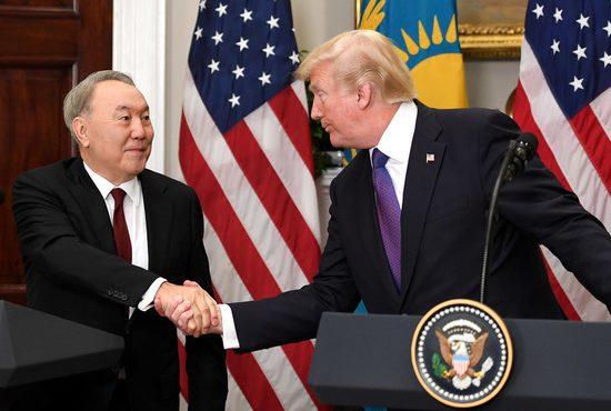Эксперты объяснили дружбу Назарбаева с Трампом: прагматизм на 22 миллиарда