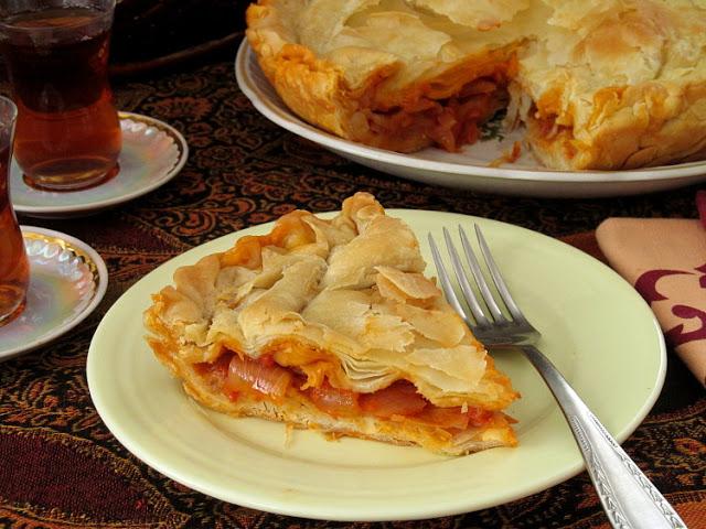 Луковый пирог по-турецки (Soğan Böreği Tarifi)