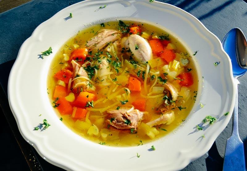 Легкий супчик из курицы: рецепты