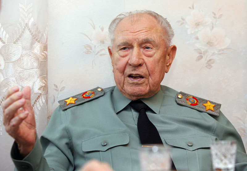 «Отец народов»: Маршал Язов о чудовищной лжи и правде о Сталине Дмитрий Язов, ложь и правда, сталин