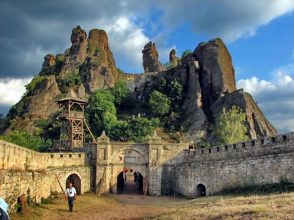 Необычные туристические достопримечательности в Болгарии
