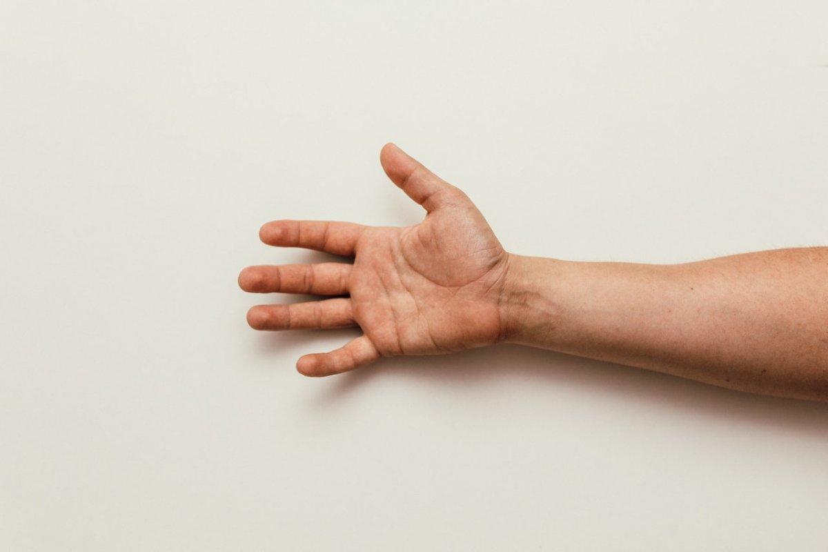 Симптомы дефицита витамина D: предупреждающий знак дает ощущение в пальцах