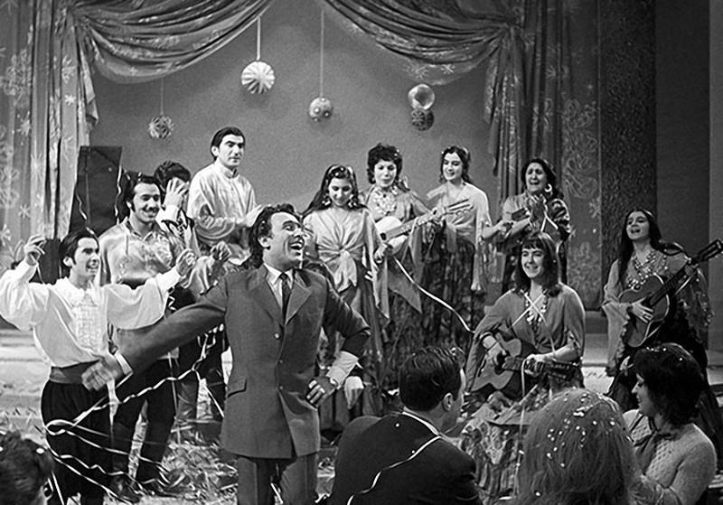 точки передача песня года телепередачи 1970-1980 годов онлайн СпецСтройСнаб