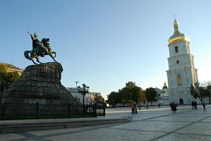 Главную праздничную площадь Киева превратили в мемориал бойцов АТО