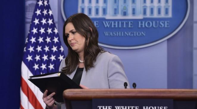 CNN: Трамп недоволен тем, как Сандерс комментировала скандал с экс-порноактрисой