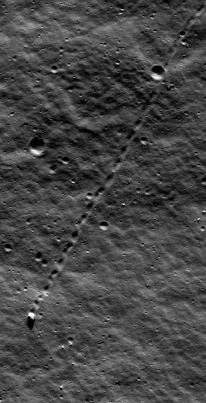 Движущийся камень на Луне