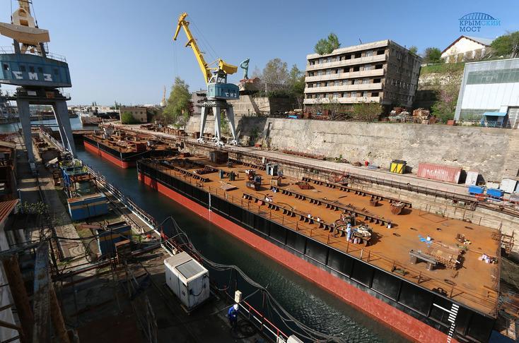 Понтоны для перевозки арок Крымского моста готовы!