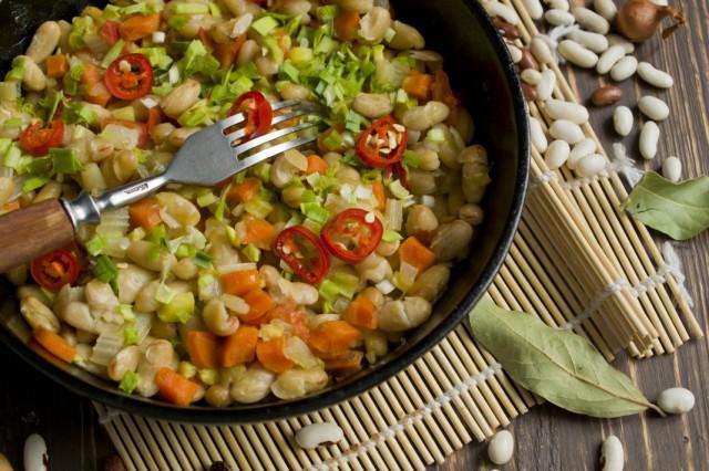 Овощное рагу с фасолью – консервированная фасоль тушеная с овощами