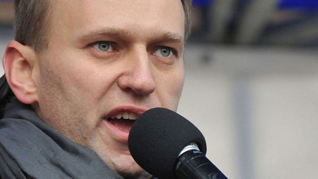 Недооценивать Навального чрезвычайно опасно: его оппонентам нужно срочно брать ситуацию в руки. Мнение