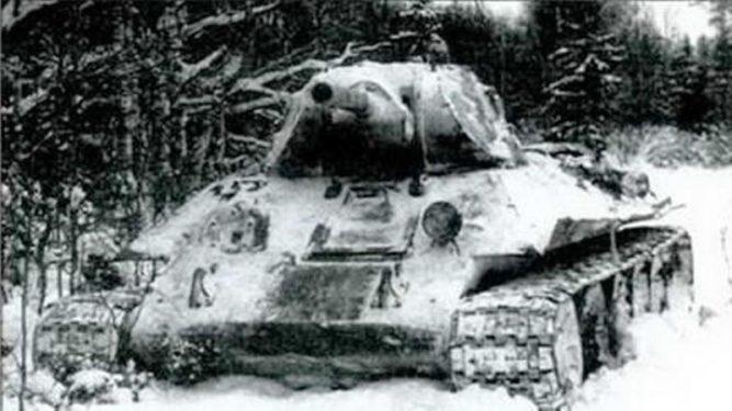 13 суток круговой обороны в Т-34 на болоте